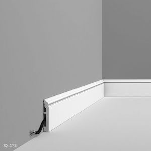 SX173 Skirting Board